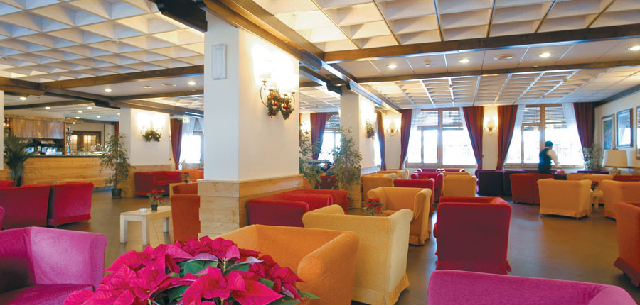 italy_la-thuile_planibel_hotel_lounge2.jpg